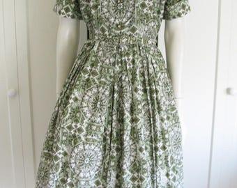 "Vintage 1950's Shirt Waist Dress - Green Novelty Print Rayon - Kay Windsor - Waist 30"""