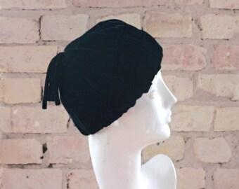 Vintage 50s black velvet woman's hat, mid century, elegant fashion
