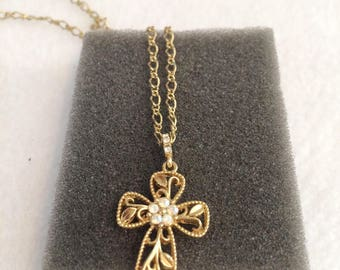 """Vintage Gold Tone with Mother of Pearl Cross Necklace by AVON  21"""""""