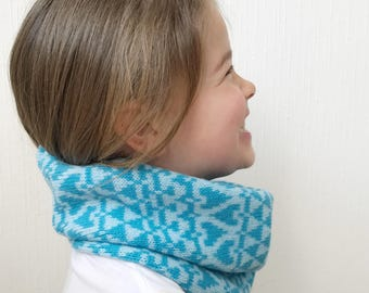 Child's blue cowl, knitted snood, childs snood, turquoise, lambswool knitted snoods, lambswool cowl, knitted cowl