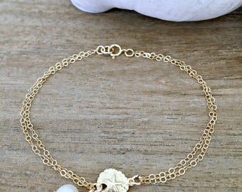 Pearl Bracelet with Sand dollar Pearl jewelry Sand dollar Bracelet Sand dollar jewelry Beach Jewelry mother daughter jewelry beach weddings