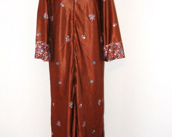 Vintage 1970s Brown Floral Print House Dress