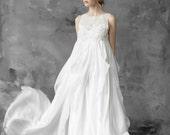 Free fitted silk wedding dress, pregnancy dress, maternity wedding dress// Maia