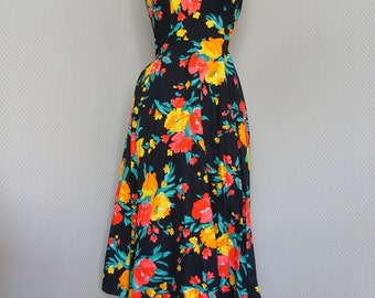 Vintage Rockabilly Hawaii Floral Halter Dress