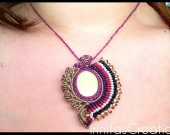 Handmade macrame necklace with yellow jasper gemstone/macrame pendant/adjustable /Χειροποίητο μακραμέ κολιέ με ημιπολύτιμη πέτρα