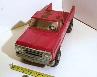 Vintage Red 1973 Tonka pickup truck, a really nice all original truck