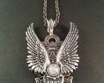 Swarovski Crystal Angel Wing Necklace - Angel Wing Necklace - Biker Jewelry - Dawn Santucci - Gothic Jewelry - Metal di Muse