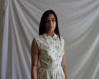 Vintage Cotton Beige Button Flower Dress with Peter Pan Collar and Floral Pattern