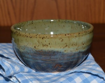 soup bowl in blue and green, cereal bowl, snack bowl, chowder bowl, chili bowl, blue bowl, pottery bowl, cereal bowl