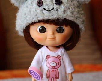 Teddy bear hat for mini Mui Chan
