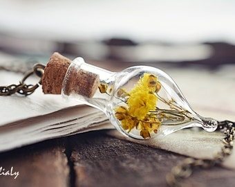 Dried flower necklace Yellow flower glass vial pendant Botanical bottle real dry plant necklace Terrarium teardrop Nature jewelry gift