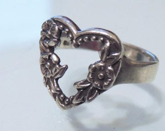 Sterling Silver Floral Heart Ring SZ 9