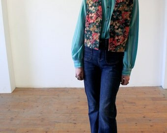 Floral quilted Waistcoat // UK 8-10 // Vintage