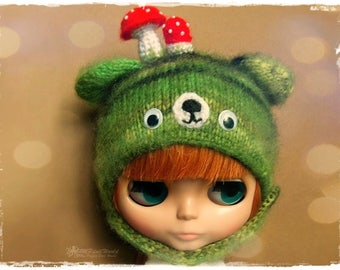 BLYTHE, Pullip, SD, SD+ Bear Hat/Helmet - Knitted Fluffy Multicolor Green Bear Helmet #41