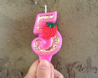 Strawberry number candle 4.50