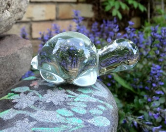 Little Glass Turtle Paperweight // Vintage Home Decor