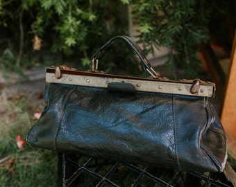 Antique 1930's Goats Leather Vintage Gladstone Bag With Brass Hinges