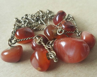 Vintage 1970s Red Orange Amber  Striped Polished Agate Stone Pebble Pendant Necklace Chain