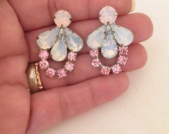 Blush crystal bridal Earrings, Pink Blush Stud swarovski Earrings, Blush white opal Wedding crystal earrings, bridesmaid Blush pink earrings