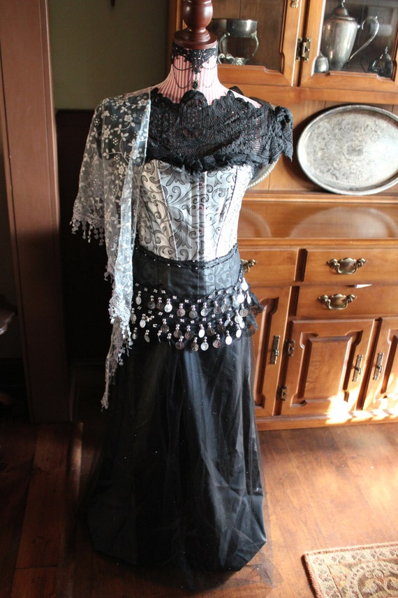 Gypsy 7-Piece Costume, Goth, Vampire, Day of the Dead, Costume comes with Handmade Black Veil, Ladies Size Small or Juniors Size
