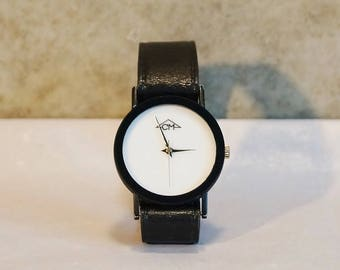 Mechanical wrist watch. Manufacturer CM. purist. Black genuine leather strap. 80s – 90s. Late century. Very elegant. Gift.
