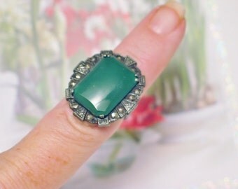 Silver gemstone ring band green glass size 5 Old vintage sterling silver marcasite solitaire large cocktail statement womens fine jewelry