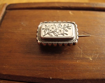 Antique Scribed Floral Brooch, Miniature 1900s Vintage Flowers Pin
