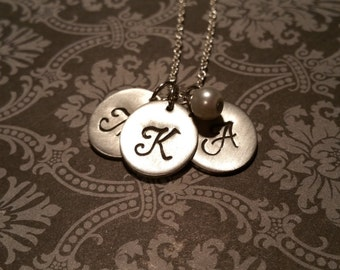 INITIAL simple CHARM necklace with wrapped pearl