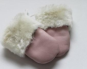 Baby sheepskin mitten Pink with half pink cuff