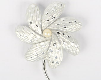 "1970's BSK Matt and Shiny Silver Tone Textured Petaled Flower Faux Pearl Center, Stem Brooch, Near MINT, 2-1/4"" X 2"" W, Roll Over Clasp"