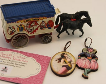 Earrings, circus, circus character, asymmetric, wood, Les Vieilles Sacoches, vintage, pink lady