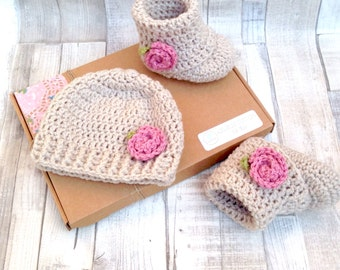 Hat booties, newborn baby, gift set, crocheted booties, girls hat, baby shower, gift set, 0-3 3-6, crochet hat set, baby hat shoes