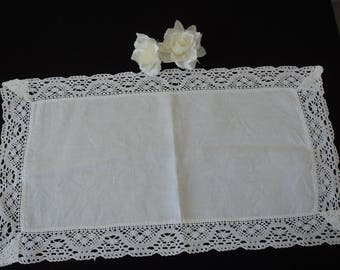 Vintage French white linen and crochet lace doily  (04536)