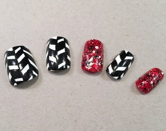 Diagonal Checkerboard False Nail Set