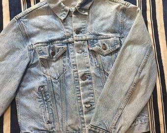 Vintage 1980s Levis Denim Jacket Distressed Size 40-42(M)