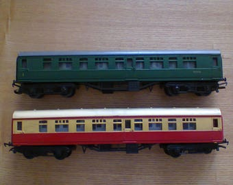 Triang R29/221 Triang R29/221 Triang R157/158 x 3 Carriages