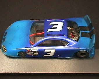 A Vintage 1/24 Scale Slot Car Race Car Ready to Race   # 10