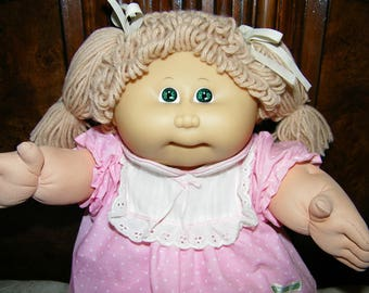 Vintage Cabbage Patch Kid Doll #1 HM/Tan Poodle/Green Eyes