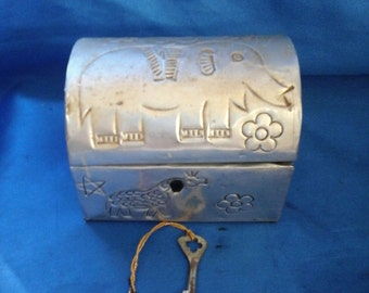 Indian Silver Hand-decorated Treasure Chest Box with Key