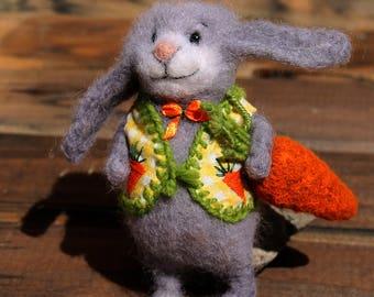 needle felted rabbit with carrot, felt toy. feltrd bunny, felted carrot, home decoration