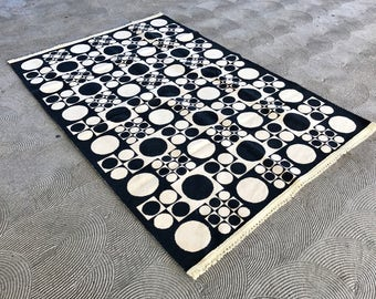 Large Geometric Flat Rug.