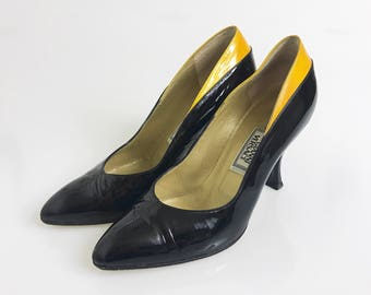 GIANNI VERSACE authentic vintage 1980s black and yellow patent leather high heel pumps shoes - size 36 1/2