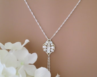 Swarovski backdrop necklace, Crystal and pearl wedding necklace, Simple delicate bridal necklace