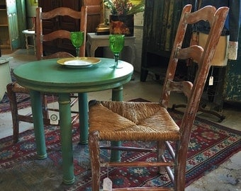 Petite Round Table, Custom Chalk Paint® Color, Gilded and Hand Waxed