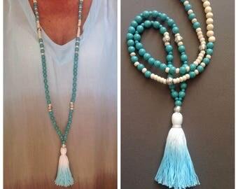 Boho chic - hippie chic - Boho necklace - Boho chic - hippie chic - turquoise howlite and tie-dye tassel