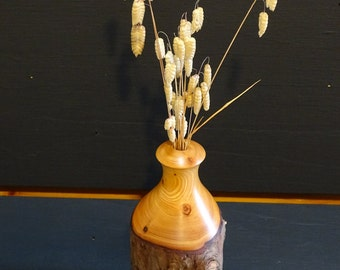 Dried flower holder