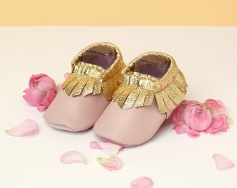 Gold Pink Leather Baby Moccasins // Leather Baby Shoes // Girl Baby Gift // Soft Soled Baby Booties // Girl Baby Gift