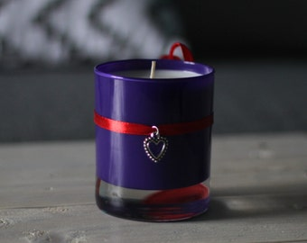 Candle fragrant natural violet and blackcurrant Bay / / gift for women / / housewarming gift / / mother's day gift