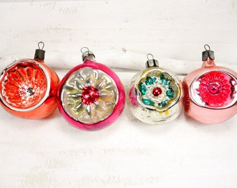 Vintage Christmas Ornament Glass Christmas Ornament Tree Decoration - set of 4 - t212