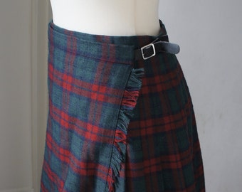 Vintage Red And Green Pleated Tartan Kilt Skirt With Leather Strap Fastenings And Kilt Pin, Size UK 14, Punk, Steampunk, Retro